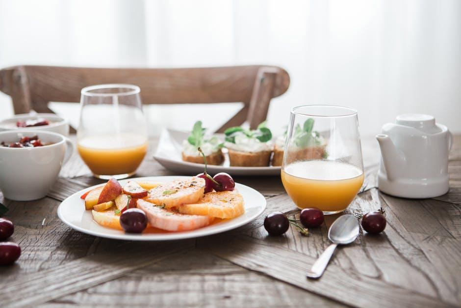 Un mic dejun echilibrat si sanatos. Alege dintre aceste 4 gustari si nu vei da gres