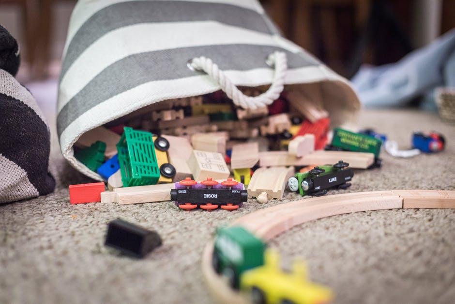Metode eficiente de convingere a copiilor sa te ajute prin casa